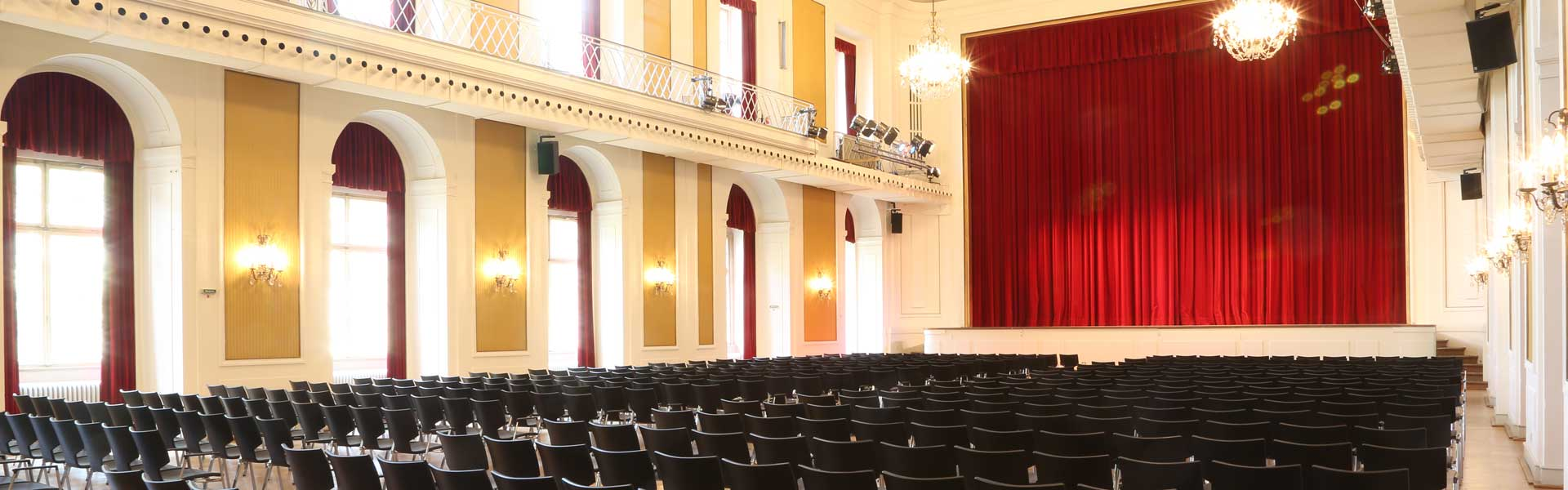 Perfect atmosphere in a historical setting