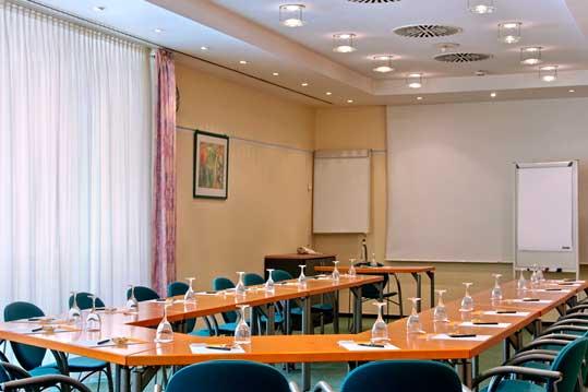 Rheingoldhalle Mainz Hotels In Der Nahe